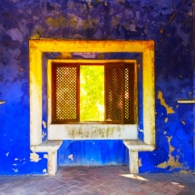 Fronteira Blue Room Window
