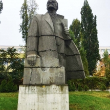 lenin-from-crotch-up