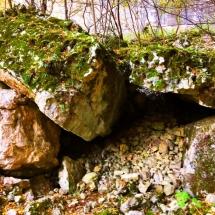prohodna-cave-rocks