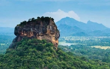 Sri-Lanka mountain rock